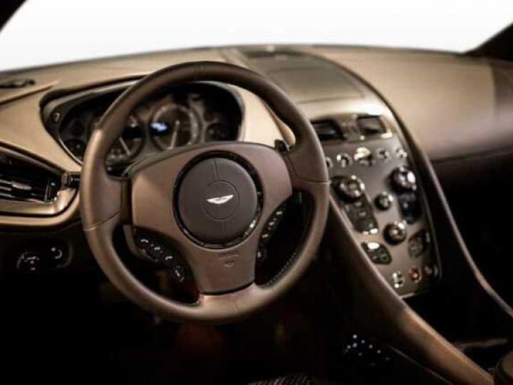 Aston Martin Zagato VANQUISH ZAGATO Speedster - 1 of 28 # UNE VALEUR REFUGE Satin Solar Bronze - 5