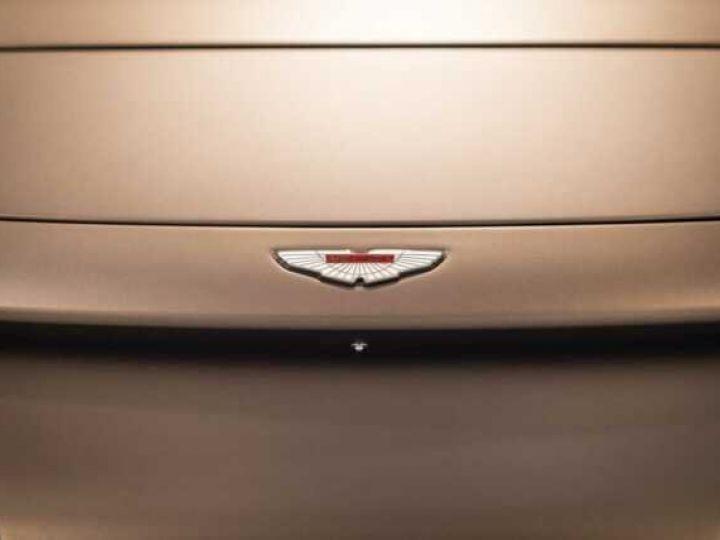 Aston Martin Zagato VANQUISH ZAGATO Speedster - 1 of 28 # UNE VALEUR REFUGE Satin Solar Bronze - 17
