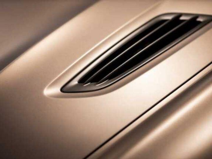 Aston Martin Zagato VANQUISH ZAGATO Speedster - 1 of 28 # UNE VALEUR REFUGE Satin Solar Bronze - 21