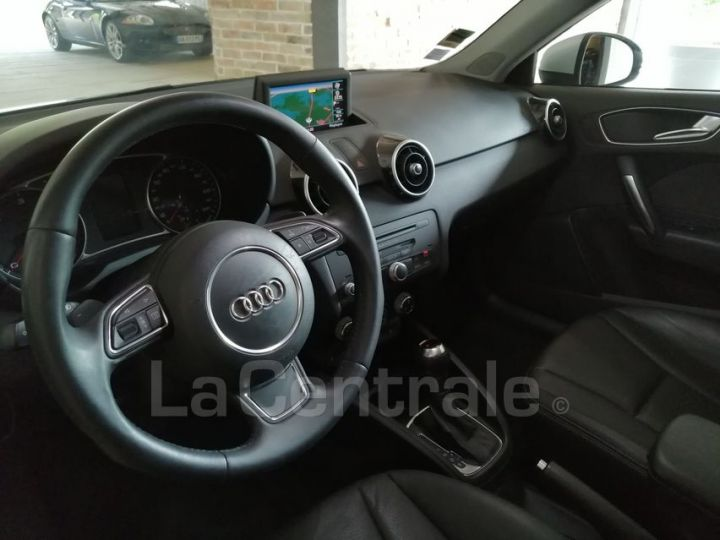 Audi A1 1.6 TDI 90 AMBITION LUXE S TRONIC gris metal - 5