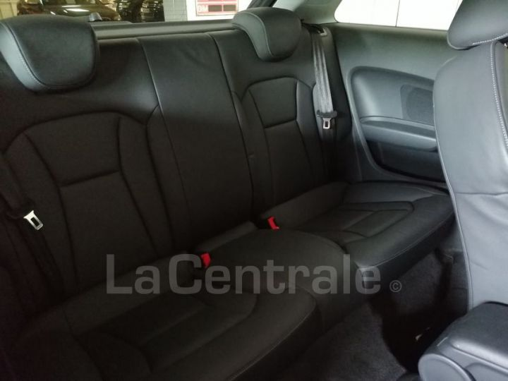 Audi A1 1.6 TDI 90 AMBITION LUXE S TRONIC gris metal - 7