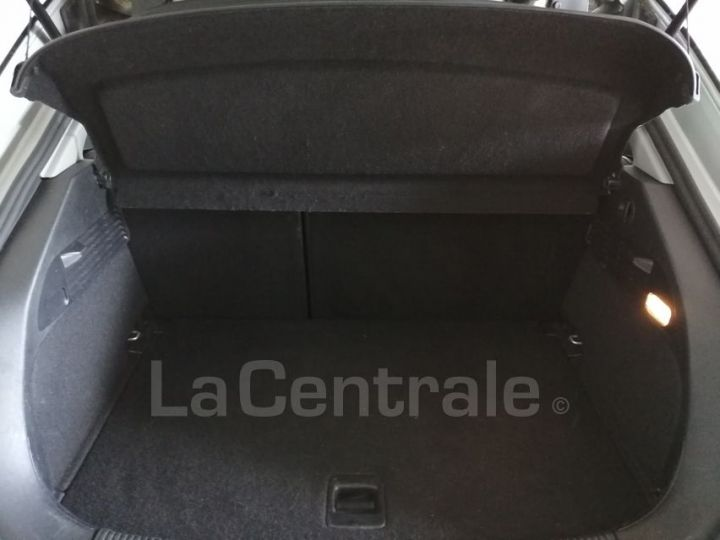 Audi A1 1.6 TDI 90 AMBITION LUXE S TRONIC gris metal - 9