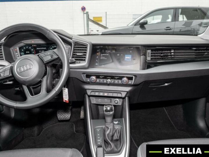 Audi A1 35 TFSI S TRONIC NOIR PEINTURE METALISE  Occasion - 4
