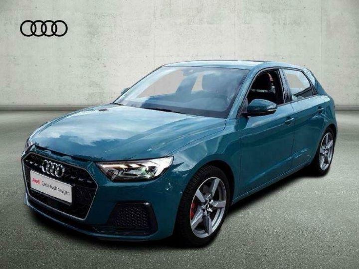 Audi A1 SLINE Tiomangruen vert  - 1