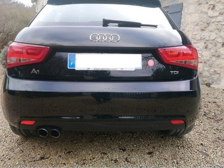 Audi A1 Sportback  2.0 TDI 143 Ambition Luxe. 06/2014 noir métal - 6
