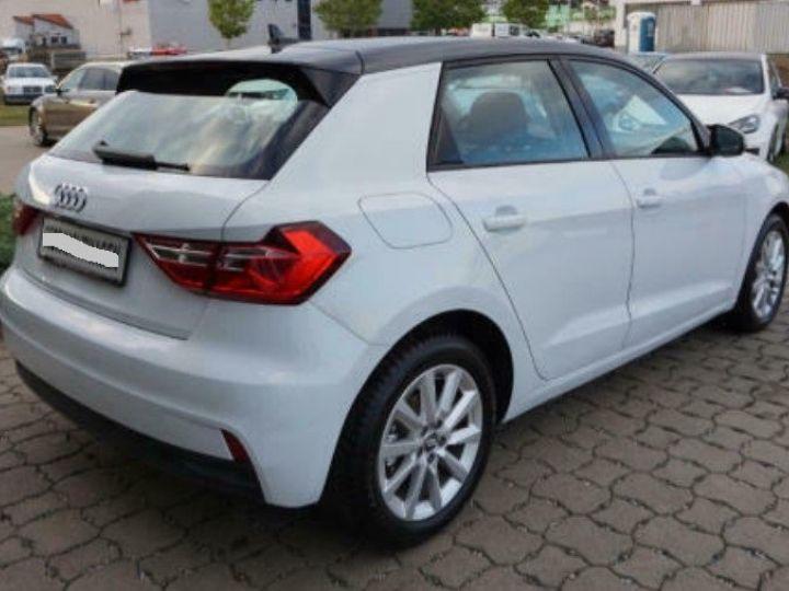 Audi A1 Sportback II 30 TFSI 116 DESIGN (03/2019) Glacier White Metallisé - 4