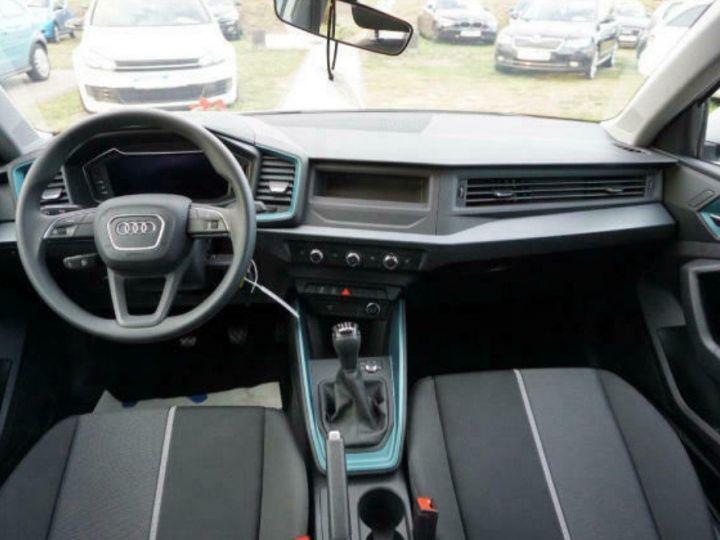 Audi A1 Sportback II 30 TFSI 116 DESIGN (03/2019) Glacier White Metallisé - 7