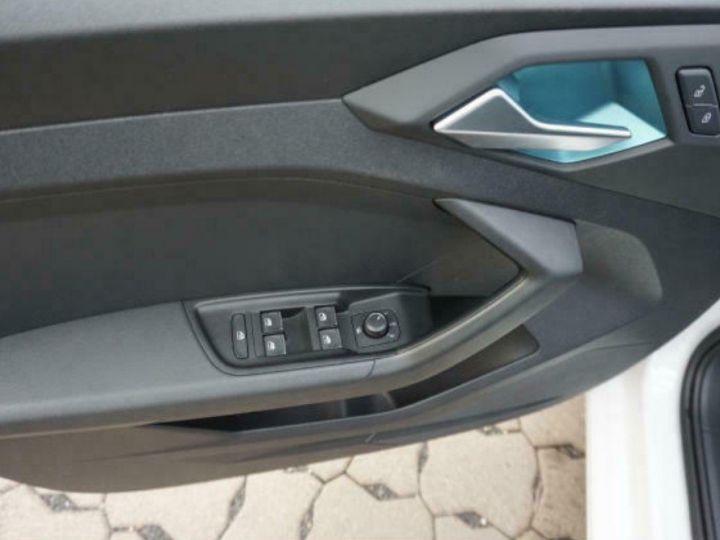 Audi A1 Sportback II 30 TFSI 116 DESIGN (03/2019) Glacier White Metallisé - 11