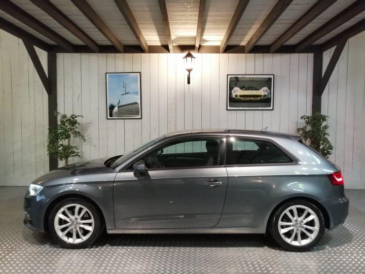 Audi A3 1.8 TFSI 180 CV Sline Gris - 1