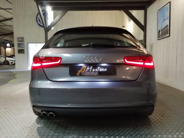 Audi A3 1.8 TFSI 180 CV Sline Gris - 4