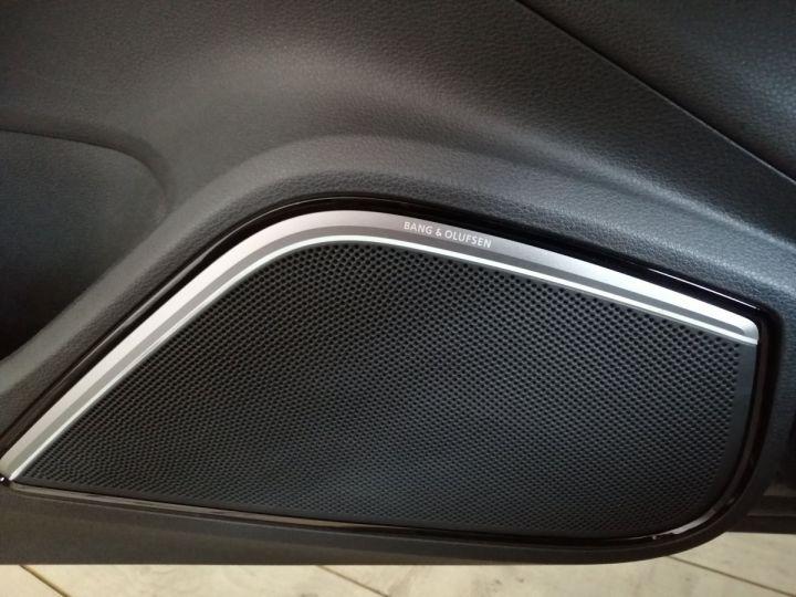 Audi A3 1.8 TFSI 180 CV Sline Gris - 9