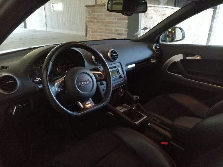 Audi A3 2.0 TDI 140 CV SLINE Gris - 6
