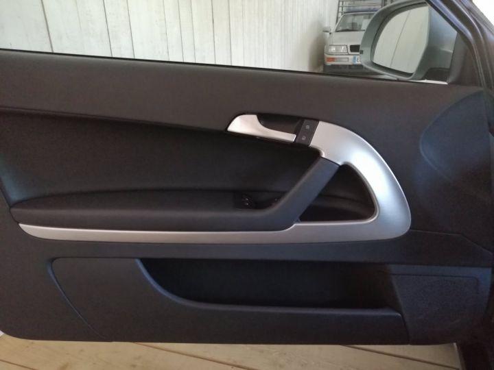 Audi A3 2.0 TDI 140 CV SLINE Gris - 9