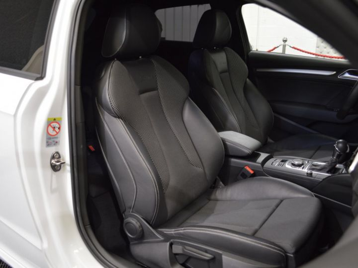 Audi A3 8v 1.8 tfsi 180ch quattro stronic sline plus 1ere main acc camera attelage rotor +++ BLANC GLACIER - 13