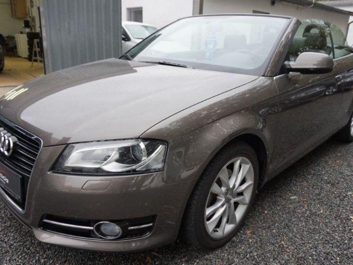 Audi A3 Cabriolet 2.0 TDI 140 DPF AMBITION LUXE (2013) brun métal - 1