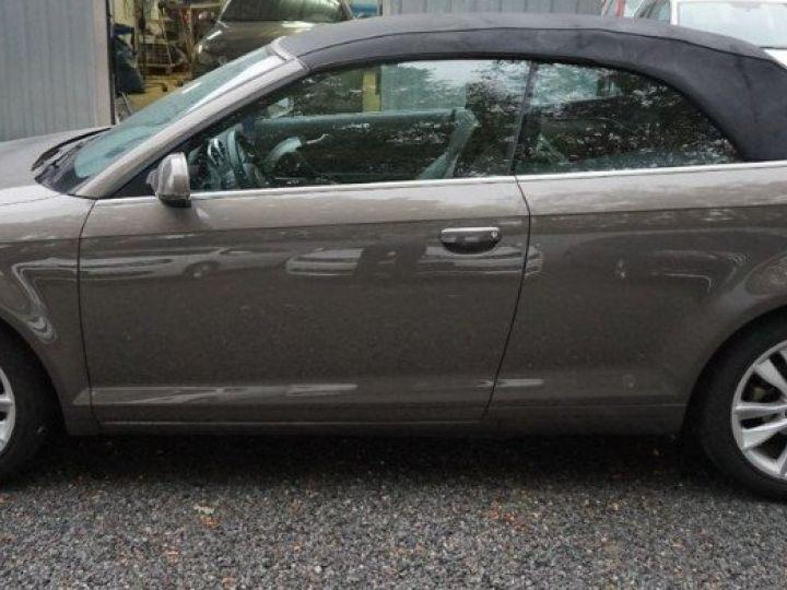 Audi A3 Cabriolet 2.0 TDI 140 DPF AMBITION LUXE (2013) brun métal - 5
