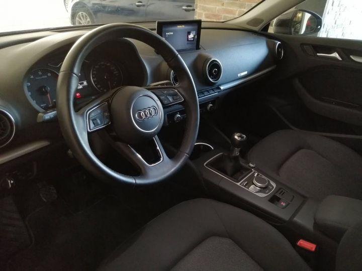 Audi A3 Sportback 1.0 TFSI 115 CV BV6 Gris - 5