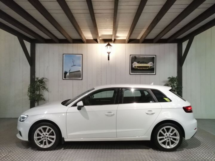 Audi A3 Sportback 1.0 TFSI 115 CV BV6 Blanc - 1