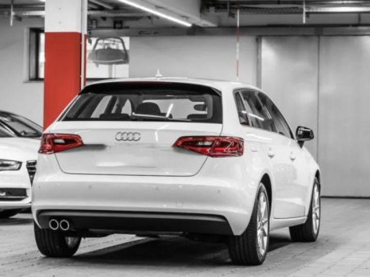 Audi A3 Sportback 1.4 TFSI 150CH ULTRA COD AMBITION LUXE BLANC - 2