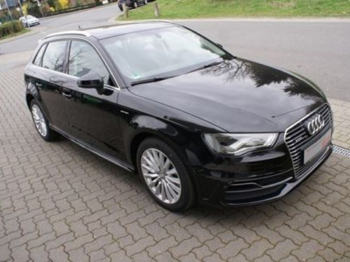 Audi A3 Sportback 1.4 TFSI 150CH ULTRA COD AMBITION LUXE S TRONIC 7 NOIR - 2