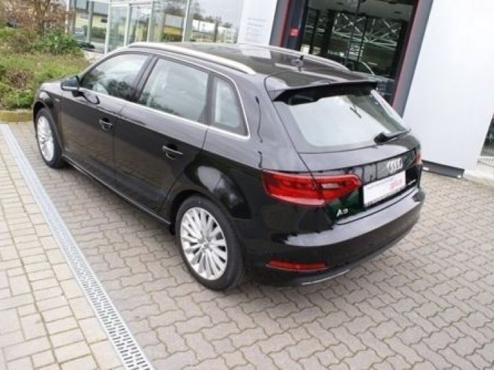 Audi A3 Sportback 1.4 TFSI 150CH ULTRA COD AMBITION LUXE S TRONIC 7 NOIR - 3