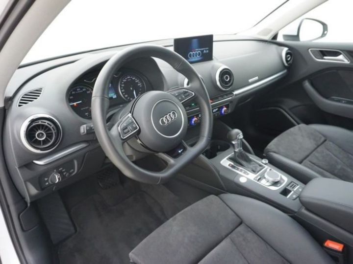 Audi A3 Sportback 1.4 TFSI 204CH E-TRON AMBITION LUXE S TRONIC 6 BLANC Occasion - 5