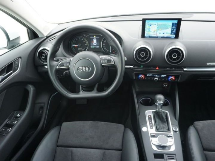 Audi A3 Sportback 1.4 TFSI 204CH E-TRON AMBITION LUXE S TRONIC 6 BLANC Occasion - 8