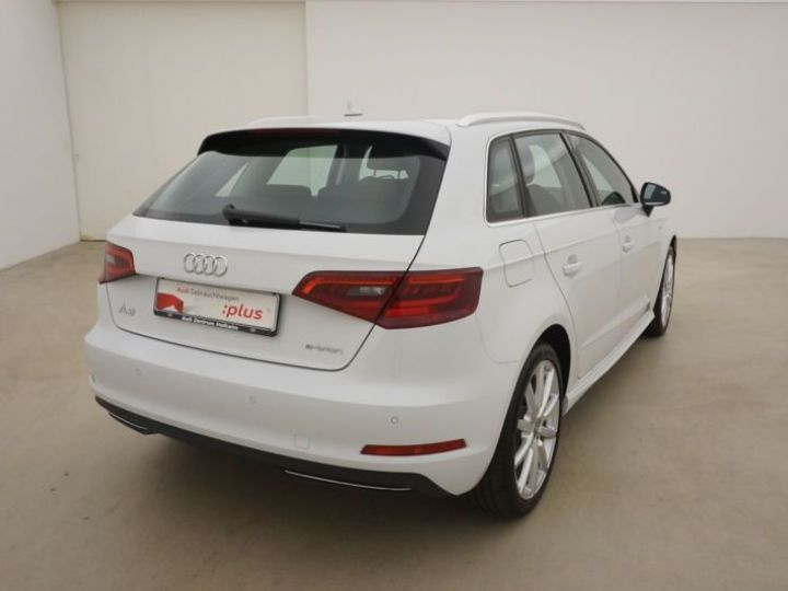 Audi A3 Sportback 1.4 TFSI 204CH E-TRON AMBITION LUXE S TRONIC 6 BLANC Occasion - 10