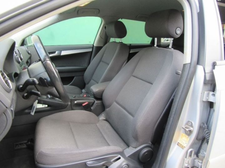 Audi A3 Sportback 2.0 TDI 140CH AMBIENTE S TRONIC GRIS CLAIR Occasion - 4