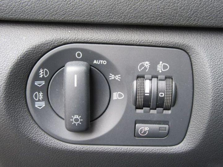 Audi A3 Sportback 2.0 TDI 140CH AMBIENTE S TRONIC GRIS CLAIR Occasion - 17