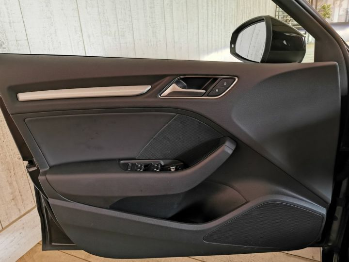 Audi A3 Sportback 2.0 TDI 150 CV SLINE BVA Noir - 8