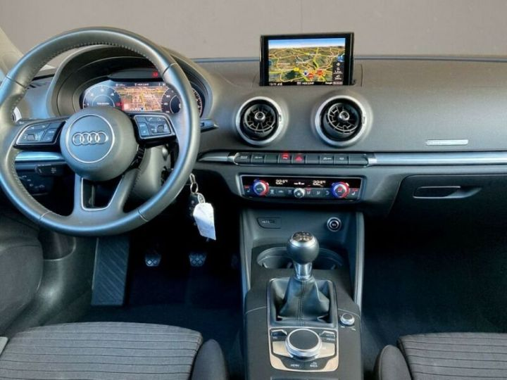 Audi A3 Sportback # 30 SPORT Bi-XENON*NAVI*GRA*PDC* Noir Peinture métallisée - 6