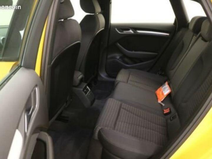 Audi A3 Sportback 30 TDI Sport Jaune - 5