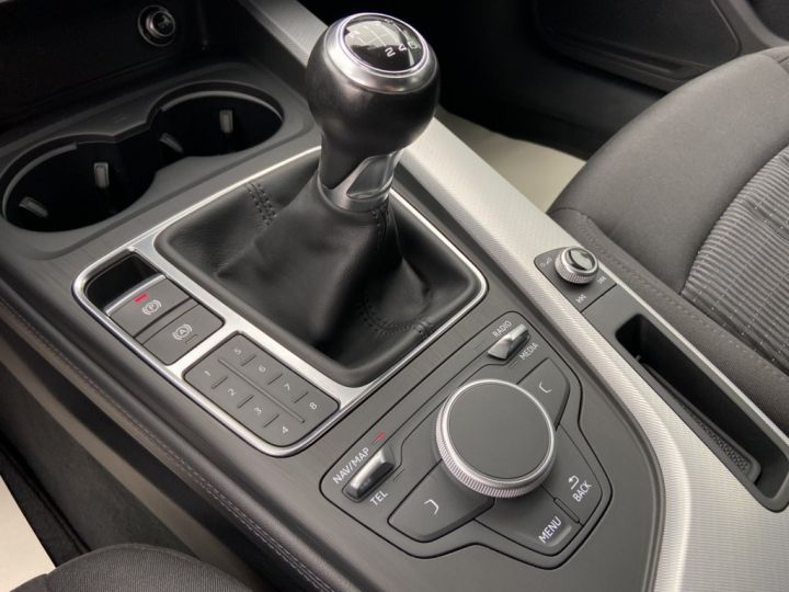 Audi A4 1.4 TFSI 150ch DESIGN BVM6 NOIR - 17