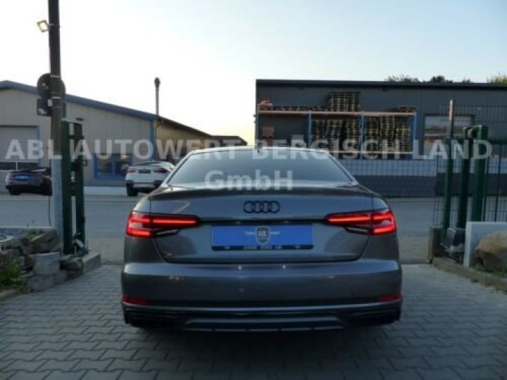 Audi A4 Gris métallisée  - 8