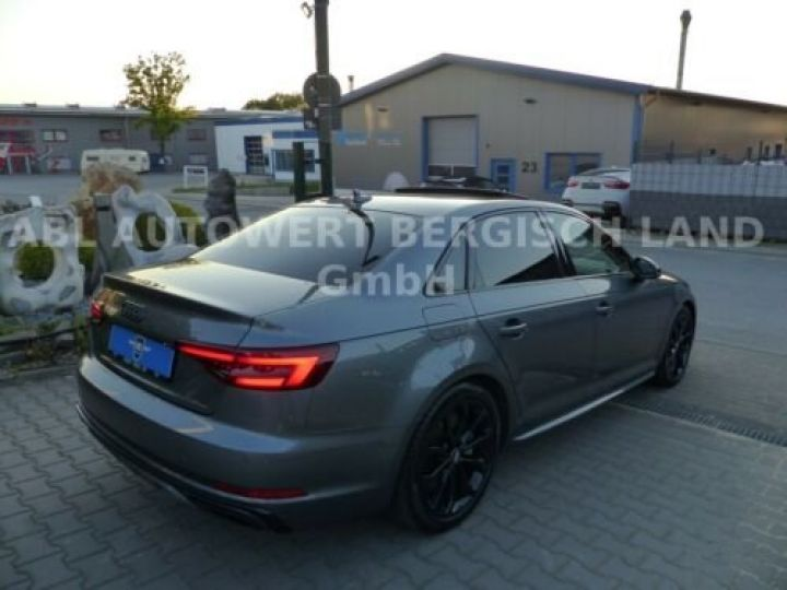 Audi A4 Gris métallisée  - 9