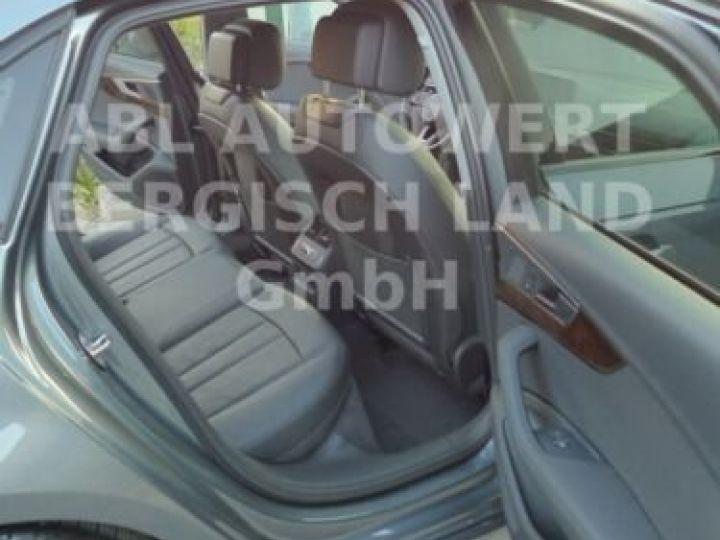 Audi A4 Gris métallisée  - 13
