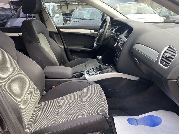 Audi A4 2.0 TDI 140CH AMBIENTE Gris F - 9