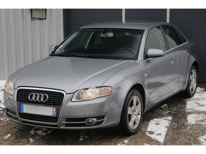 Audi A4 2.0 TDI Attraction GRIS - 1