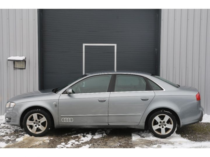 Audi A4 2.0 TDI Attraction GRIS - 3