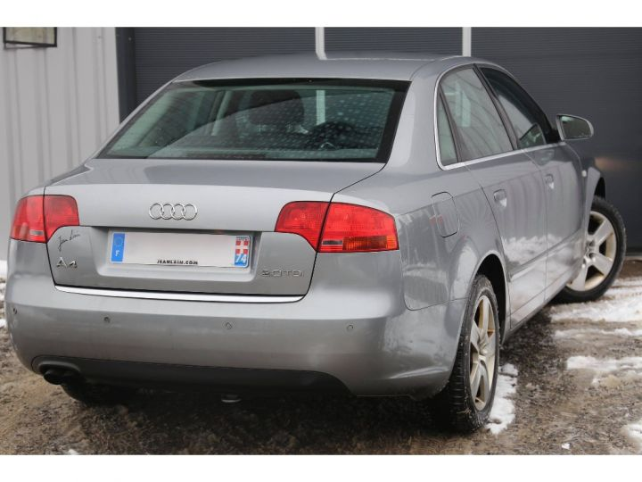 Audi A4 2.0 TDI Attraction GRIS - 5