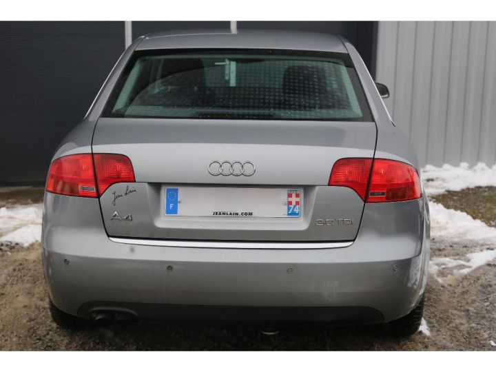 Audi A4 2.0 TDI Attraction GRIS - 6