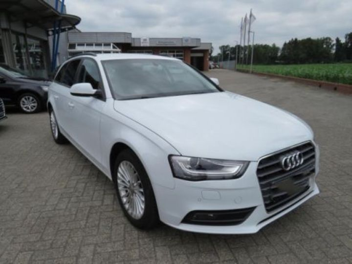 Audi A4 Avant 1.8 TFSI 120CH AMBITION LUXE BLANC - 2