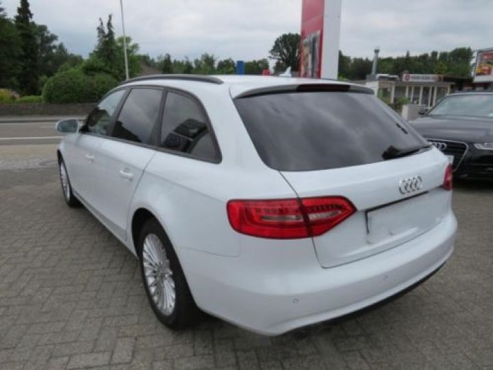 Audi A4 Avant 1.8 TFSI 120CH AMBITION LUXE BLANC - 4