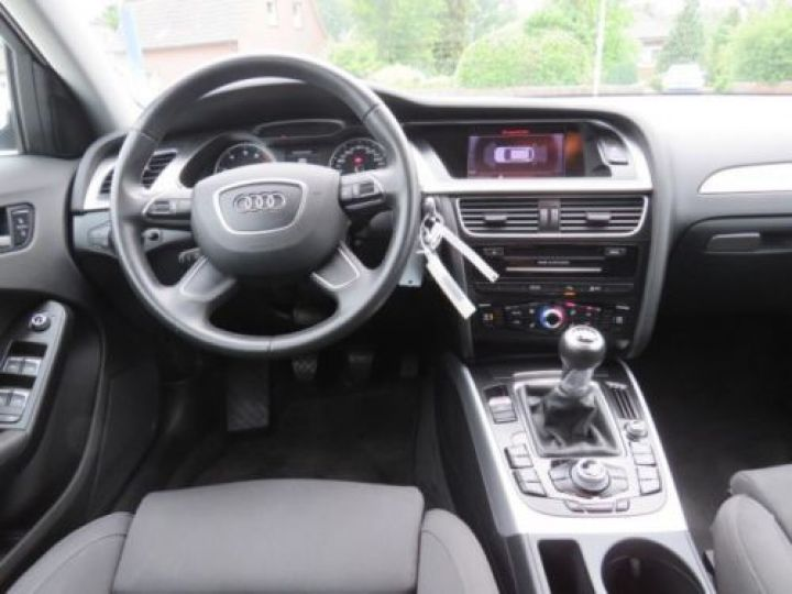 Audi A4 Avant 1.8 TFSI 120CH AMBITION LUXE BLANC - 6