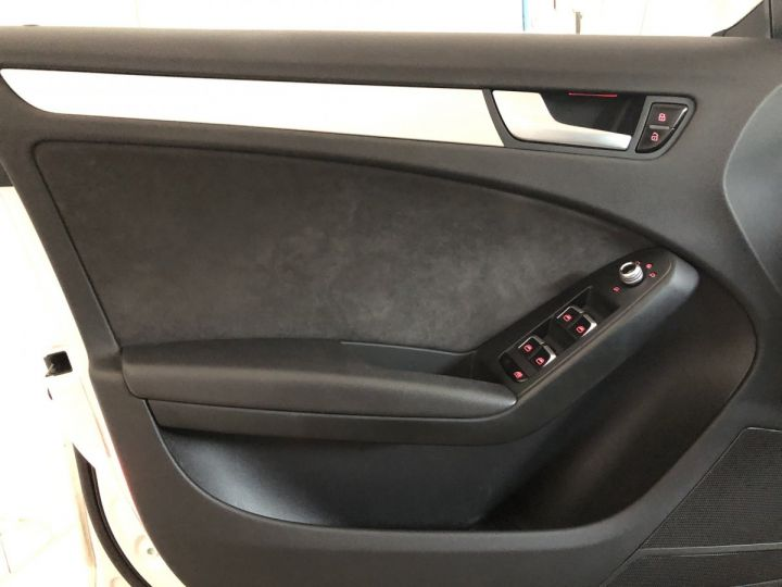 Audi A4 Avant 2.0 TDI 150 CV SLINE BVA  - 10
