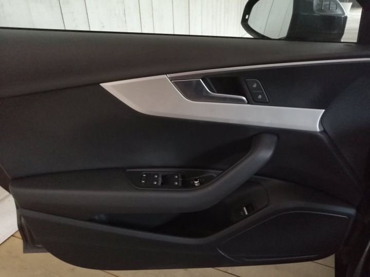 Audi A4 Avant 2.0 TDI 150 CV SLINE BVA Gris - 9