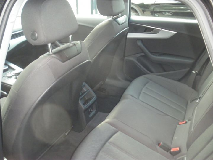 Audi A4 Avant 2.0 TDI 150cv NOIR - 5