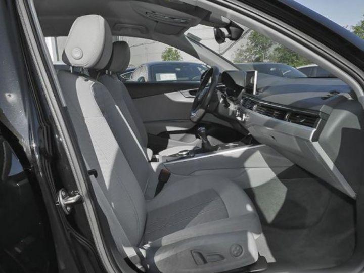 Audi A4 Avant 2.0 TDI 190 BM Buisness line(01/2017) noir métal - 4