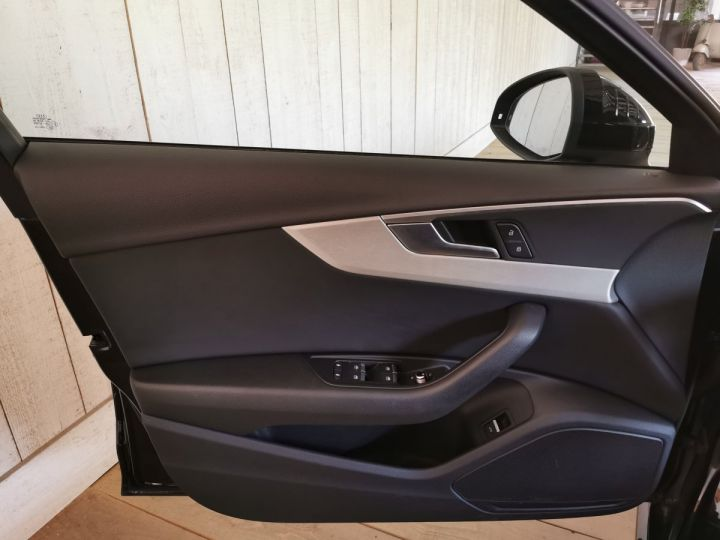 Audi A4 Avant 2.0 TDI 190 CV SLINE STRONIC Noir - 8